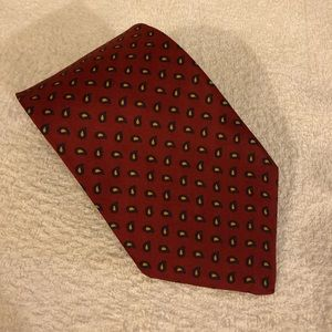 Brooks Brothers Red w/ Navy & Gold Paisley Tie